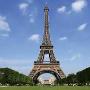La vie est belle à Paris.